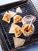 Carrot purée with nachos