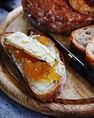 Bread with apple and quince jam and blue cheese