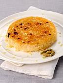 Karamellisierter Reiskuchen mit Kardamom