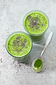 Spinach and pineapple smoothie with oats and sheer seeds