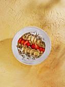 Babyspinat-Avocado-Erdbeer Smoothie Bowl