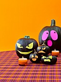 Kürbis-Gespenster als Halloweendeko