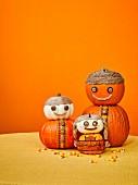 Kürbisfamilie als Halloweendeko