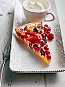 Bavarian berry tart with sour cream