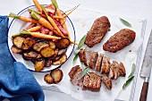 Gebratene Entenbrust mit Karotten, Rhabarber und Bratkartoffel