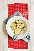 Pasta salad with ricotta and courgettes