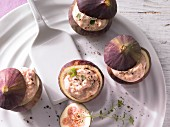 Stuffed figs with hazelnut quark