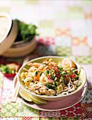 Pad Thai with chicken and prawns (Thailand)
