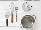 Kitchen utensils for preparing sauce