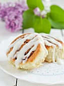 Cinnamon rolls with sour cream icing