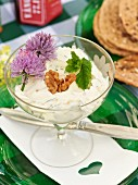 Cottage cheese with mint and nuts