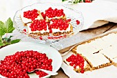 Oatcake with white chocolate and redcurrants