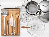 Küchengeräte für die Zubereitung von Leipziger Allerlei mit Krebsfleisch