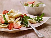 Asparagus & rocket salad with strawberries and vanilla