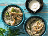 Buckwheat and herb porridge with turkey strips and yoghurt