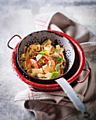 Tagliatelle with dried tomatoes and prawns
