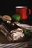 Cream & chocolate cake with praline