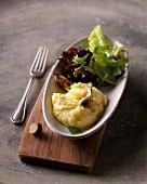 Cheese & potato purée with garlic