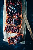 A tart with red grapes