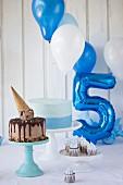 Frozen-Nutella-Cheesecake, Ombre Cake und Schokoladencupcakes für eine Kinderparty