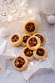Christmas biscuits with caramelised nuts