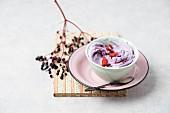 Elderberry cream with goji berries