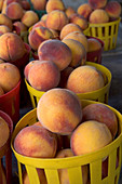 Peaches sold at a fruit stand