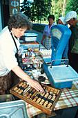 Vendor using abacus