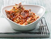 Spicy tomato and tuna pasta