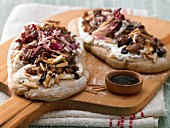 Pizza with minced lamb and radicchio