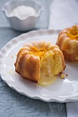 Mini orange cakes with Cointreau