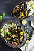 Steamed mussels with rice noodles and lime