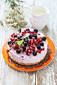 Cold cheesecake with berries