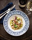 Warmer, angebratener Blumenkohlsalat mit Trauben und Bacon