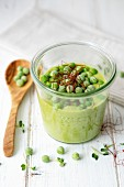 Pea purée with chilli strands