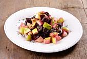 Rote-Bete-Salat mit grünen Äpfeln