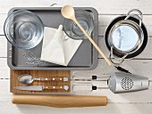 Kitchen utensils for preparing ice cream soufflé