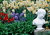 Frühlingsgarten mit Mädchenkopf