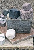 Natursteine - Quarzit-, Granitplatte, Kopfsteinpflaster,