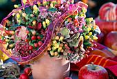 Strauß aus Fruchtständen vom Johanniskraut und Fetthenne