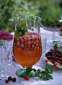 Strawberry Woble (fragaria), prunus (cherry)