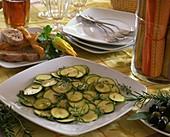 Marinierte Zucchini als Vorspeise
