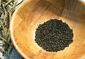 Samenernte von Eschscholzia californica (Kalif. Kappenmohn) 4. Step: Gesamelte Samen 4/6