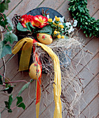 Blechschale als Wandgefäß Primula acaulis / Kissenprimeln