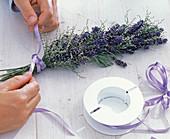 Lavendel / Meerlavendelsträuße als Tischdeko: 4/5