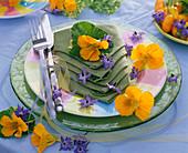 Sommer Serviettendekoration Kapuzinerkresse Essbare Blüten