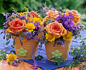 Kleine Sträuße aus Rosa (Rosen), Phlox (Flammenblumen), Borago (Borretsch)