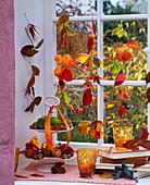Herbstlaub von Fragaria (Erdbeeren), Acer (Ahorn), Cornus (Hartriegel)