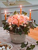 Ungewöhnlicher Adventskranz mit Rosa (Rosen)
