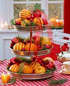 Etagere mit Citrus (Orangen, geschnitzt), Pseudotsuga (Douglasie)